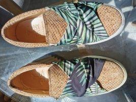 Sommerliche Schlüpfsneaker aus Kork