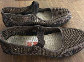 Sandalo con cinturino marrone scuro