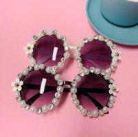 LUXURY Round Sunglasses white-black