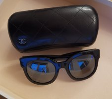 Chanel Oval Sunglasses black