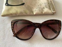 Six Angular Shaped Sunglasses light brown