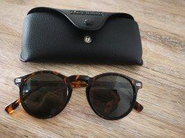 Sonnenbrille, ungetragen