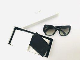Sonnenbrille von Prada, schwarz