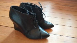 Spitze Ankle Boots * Leder Stiefeletten * High Heels * Clarks * Gr. 38