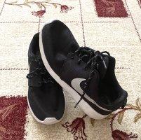 Sport Schuhe Nike Größe 38.5