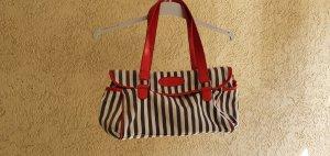 Sportliche Tasche aus Textil