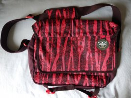 Chiemsee College Bag raspberry-red-carmine polyester