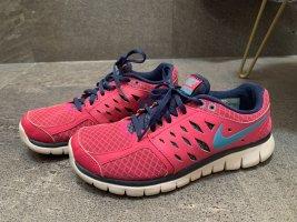 Sportschuhe Nike Gr. 39
