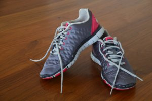 Sportschuhe Nike Silbergrau