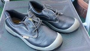 Stahlkappenschuhe - Schuhe - Arbeitsschuhe - Arbeit - Gr. 42 - NEU