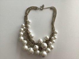 Statement–Kette mit Perlen