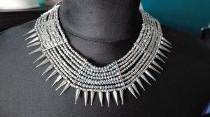 Zdobiony naszyjnik srebrny