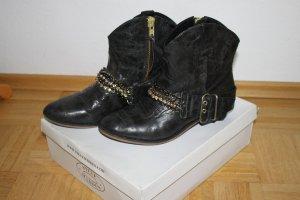 Steve Madden Western Booties black leather