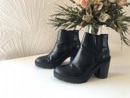 Bershka Heel Boots black