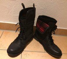 Stiefel schwarz rot