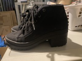 Lace-up Booties black