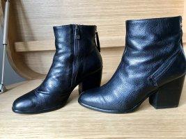 Alberto Fermani Zipper Booties black leather