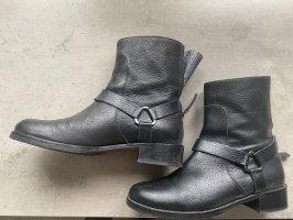 Hugo Boss Booties black leather