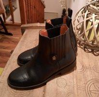 Short Boots black