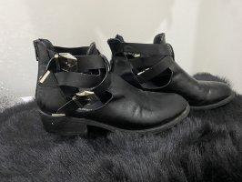 Claudia Ghizzani Zipper Booties black