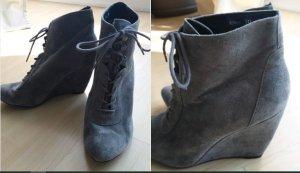 Reserved Wedge Booties grey