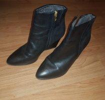Tamaris Wedge Booties black