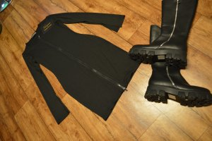 Strechiges schwarzes Rippenstrickkleid 36/38 Luxe To Kill