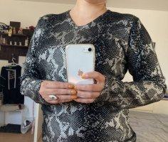 Avanti V-Neck Sweater black-silver-colored