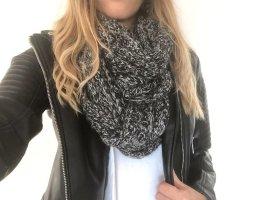 Bufanda de punto negro-gris