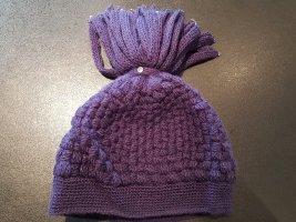Chapeau en tricot violet foncé laine