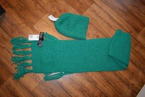 Strickmütze und Schal grün von H&M