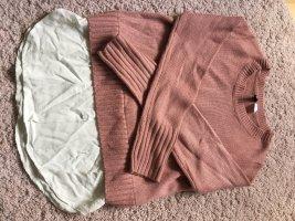 Strickpulli mit Bluse