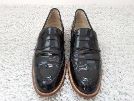 Studio Pollini College Loafers aus Lack, schwarz, Gr. 40,5