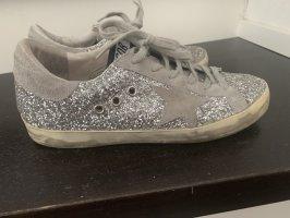 Stylische Golden Goose Sneaker