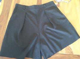 Stylische kurze Hose