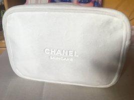 Stylische Plüsch Kosmetik Tasche von Chanel Beauty, NEU