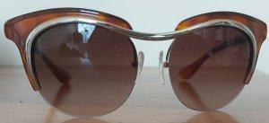 Stylische Prada Sonnenbrille mit Etui