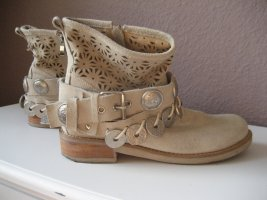 Stylische Sommer Booties