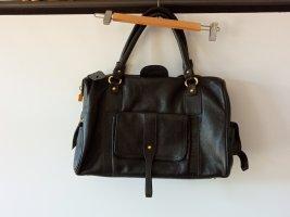Stylische Tods-Handtasche mit viel Stauraum