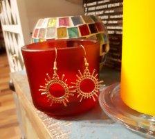 Süsse Boho Ohrringe in goldene Farbe neu