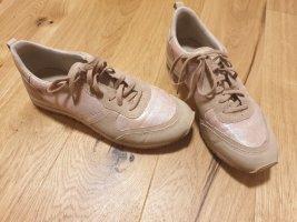 süße rosa Sneaker 37