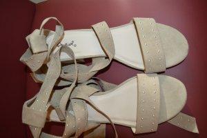 Süße Schnür Sandaletten in taupe 40 Bondage