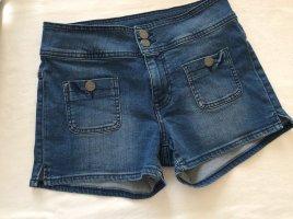 Süße Shorts von Mustang