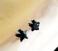 Süße silberne Ohrstecker mit Sternen, schwarz, 6mm