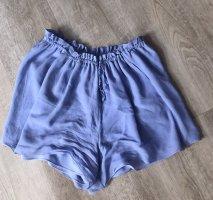 Süße Stoff Shorts von Massimo Dutti tolles blau mit süßen Schleifenbändern