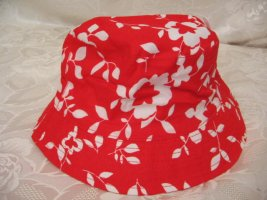 Bucket Hat red-white