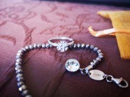 Süßes Armkettchen Armband von Christ und Ring von Guess
