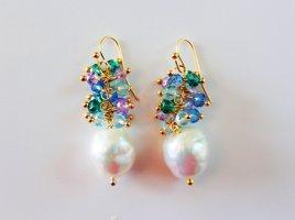 Pearl Earring multicolored metal