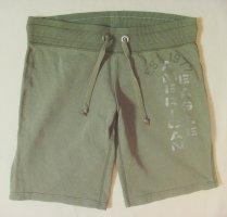 American Eagle Outfitters Shorts verde oliva Algodón