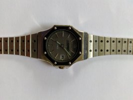 Watch With Metal Strap multicolored metal